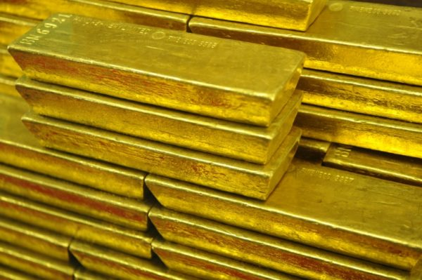 Central banks in gold rush amidst dollar worries