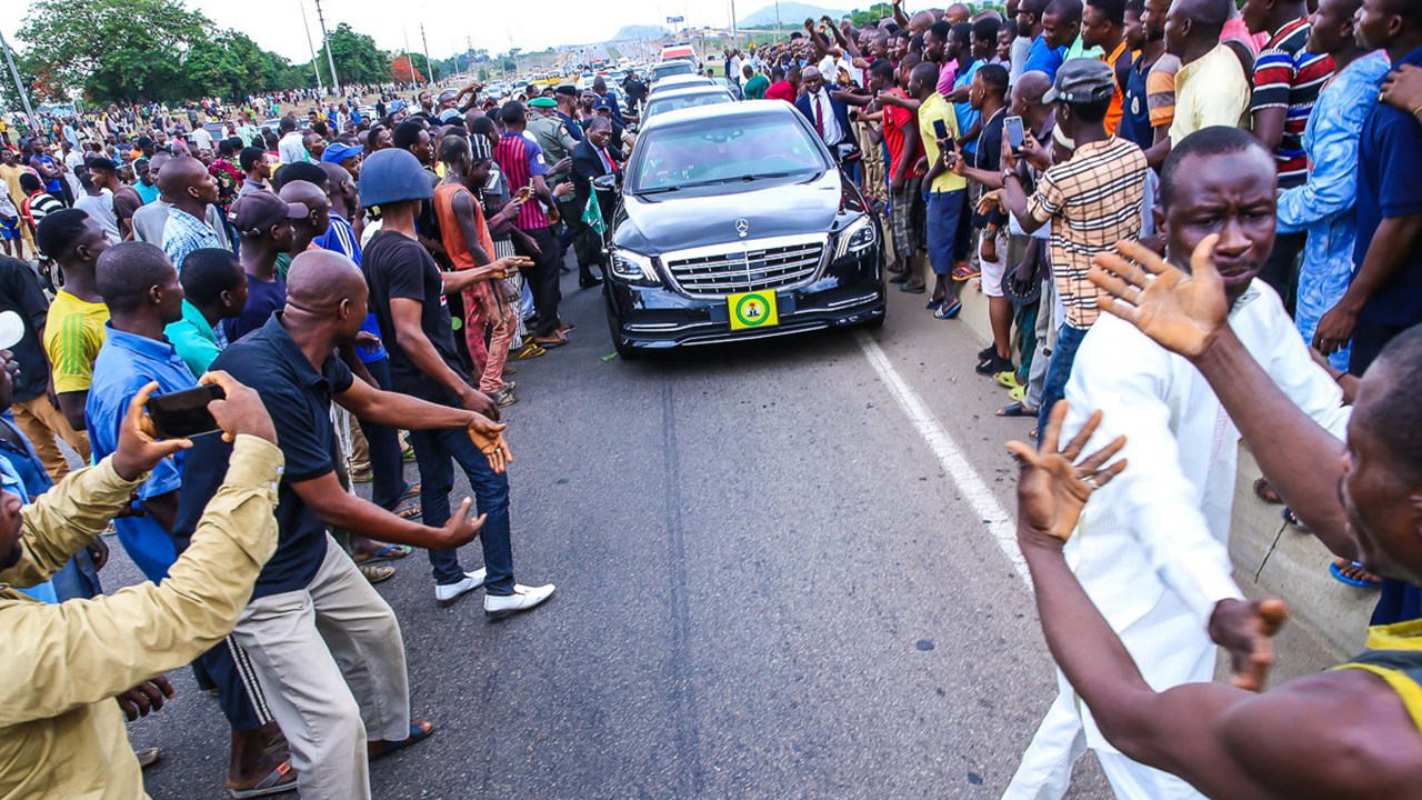 •Protesting Gbagyi blocking Vice President Osinbajo's convoy earlier in the week