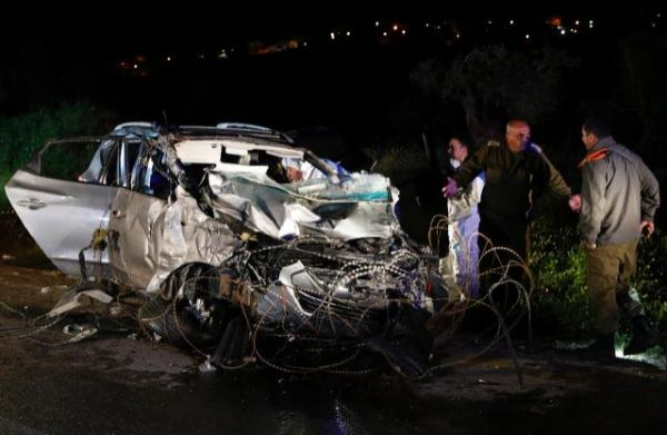 Palestinian rams car into Israeli soldiers, killing 2