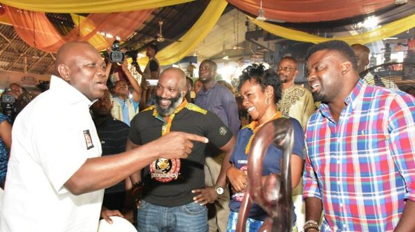 •Governor Ambode (pointing) having fun during Felabration 2017