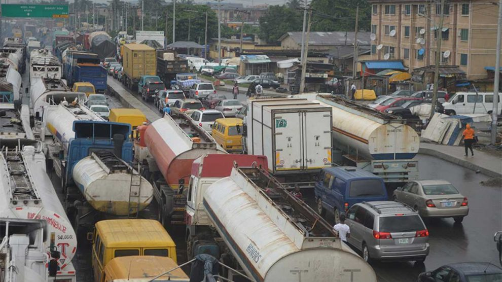 •Traffic gridlock in Apapa Lagos