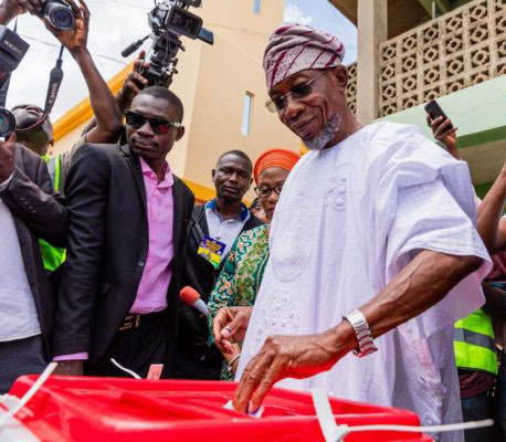 •Governor Rauf Aregbesola votes in Ilesa