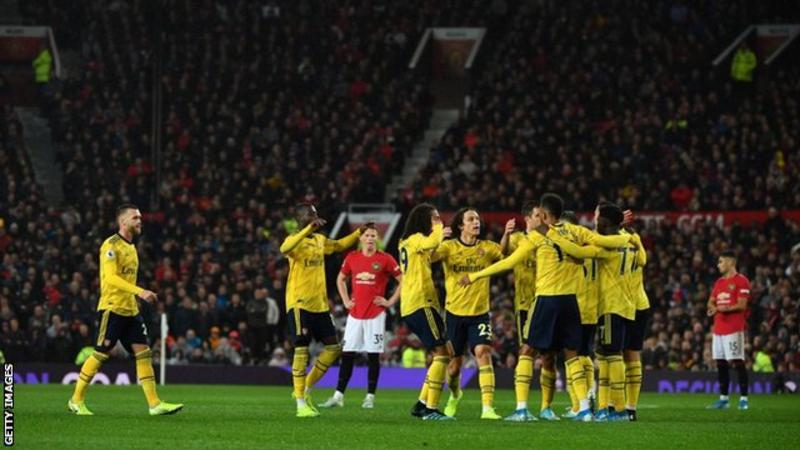Arsenal hold Man Utd at Old Trafford
