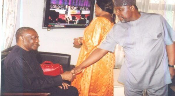 •Okorocha (R ), paying homage to Arthur Nzeribe in the past. Photo: innonews.com.ng