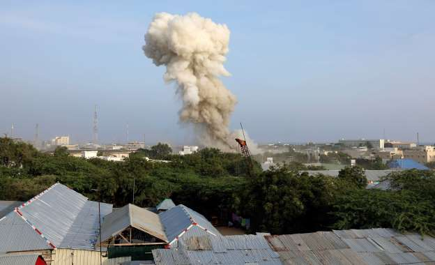 At least 17 killed as suicide bombers attack Somali hotel
