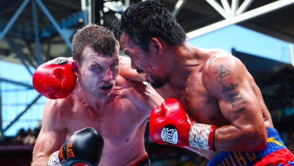 •Jeff Horn and dethroned world champion Manny Pacquiao trading punches.