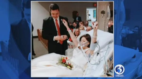 •Cancer victim Heather Lindsay taking her wedding vows on her hospital bed