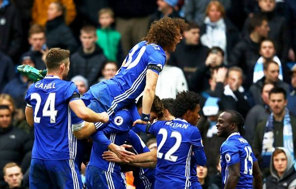 Red-hot Chelsea open nine-point lead in English Premiership; Arsenal move into third place