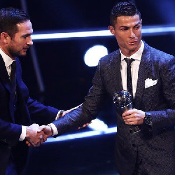•Cristiano Ronaldo receiving the 2017 Best Fifa men's player of the year trophy.
