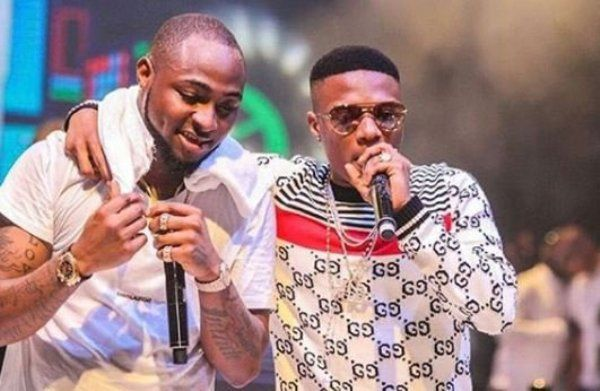 •Davido and Wizkid during a performance