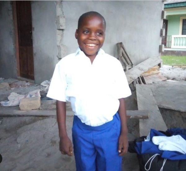Davido builds house for young fan •Also undertakes to sponsor his education