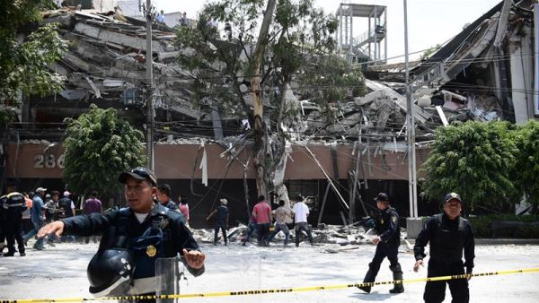 •Scene of the devastating Mexican earthquake. Photo courtesy of AFP.
