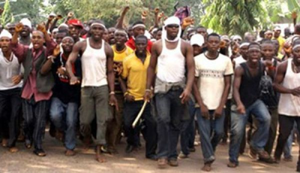 •Ex-militants staging a protest