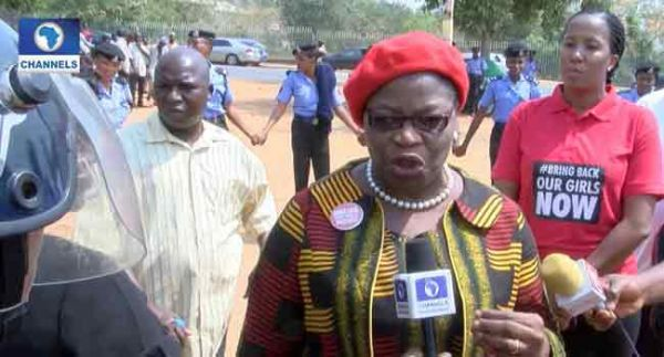 •BBOG Convener, Dr. Oby Ezekwesili, blocked by police officers at Unity Fountain, Abuja