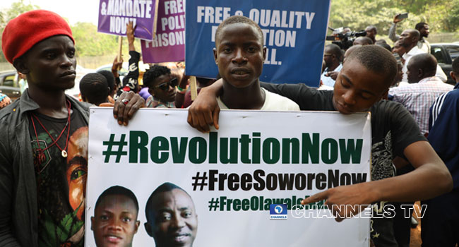 •The Free-Sowore protesters before their dispersal by DSS on Tuesday