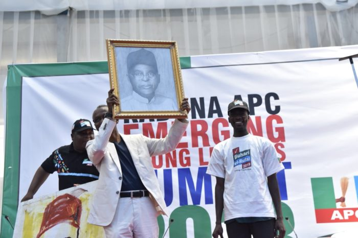•A 2 minute painting of Gov. El-Rufai that sold for N2m at Youth Summit in Kaduna