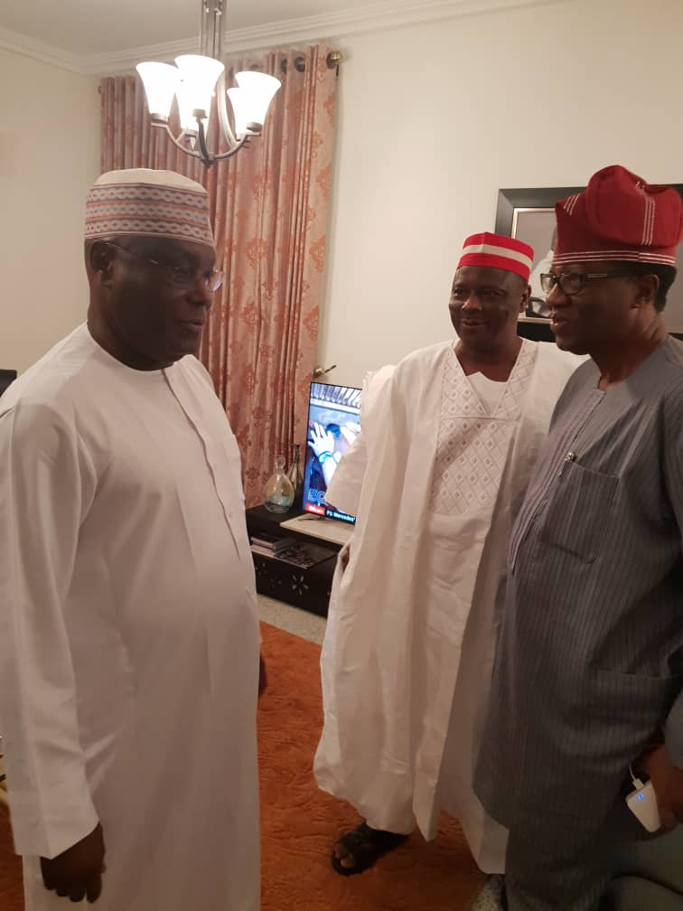 •Ex-VP Atiku welcoming Senator Kwankwaso to his Abuja residence on Saturday night