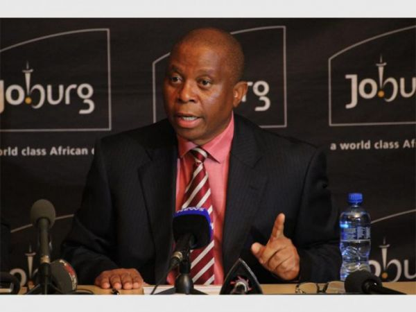 South Africa: 11 officials suspended for corruption