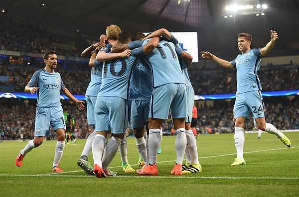 Manchester City close in on points record with 4-1 win at West Ham
