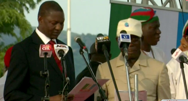 •Ex-Governor Oshiomhole being sworn-in as APC National Chairman
