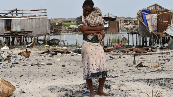 11 people die as Lagos State Government force 30,000 comot house