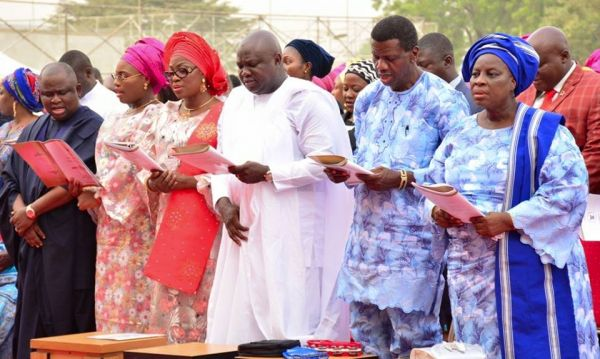 •Pastor E.A. Adeboye (second right, standing beside Governor Akinwunmi Ambode, during the special