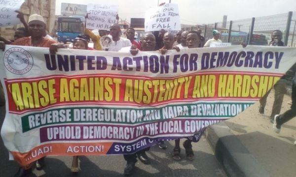 Nigerians came out on Monday to support a protest against the increasing hardship inflicted on the populace by the policies of the Buhari administration.