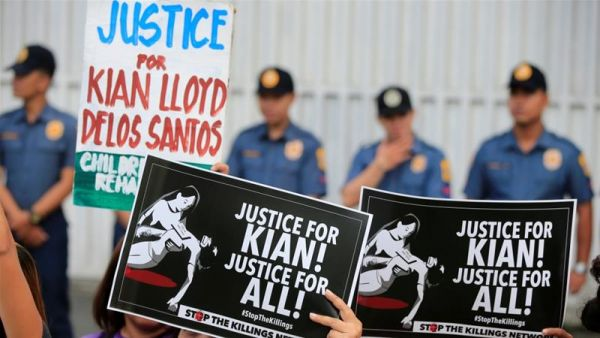 Entire Philippine city police force fired over extra-judicial killings