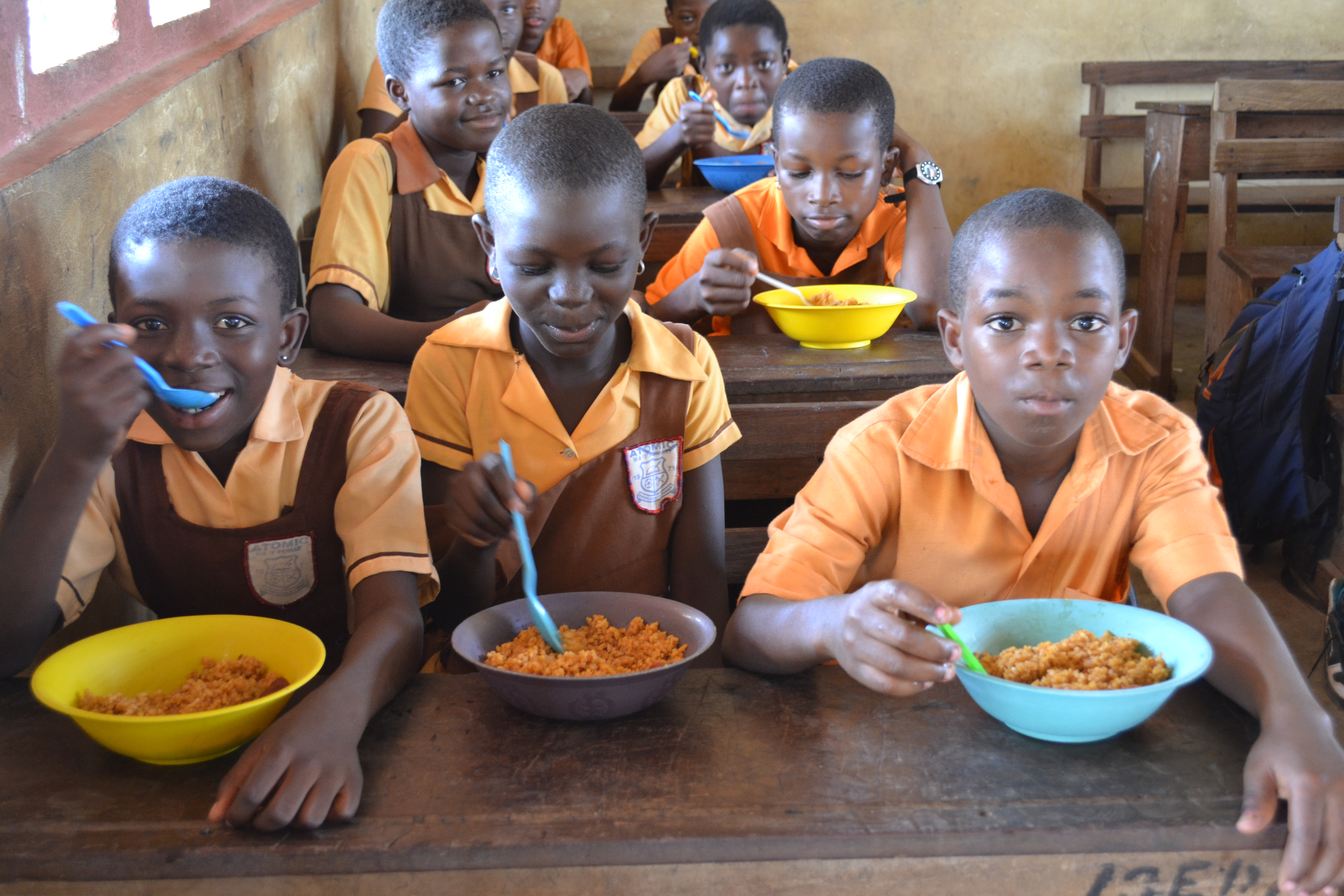 •Pupils eat mid-day meal in classroom
