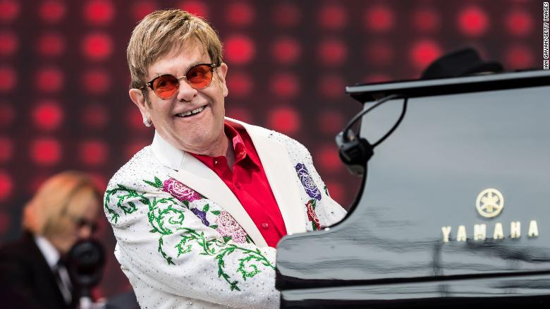 Elton John kicks off final world tour