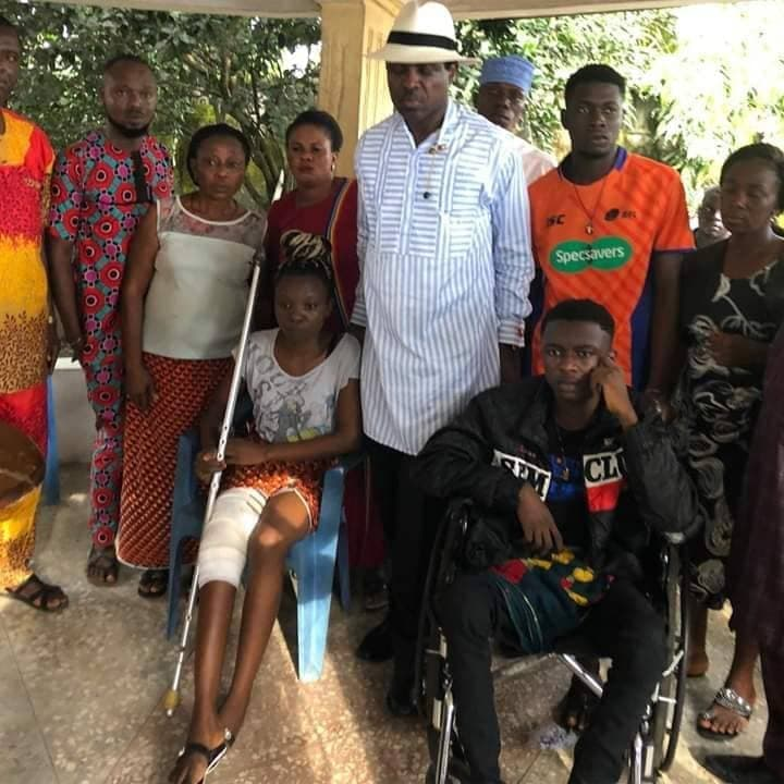 •Arch. Tonye Cole with Paul and Ruth Adube and some relatives . . . in Omoku, Rivers State