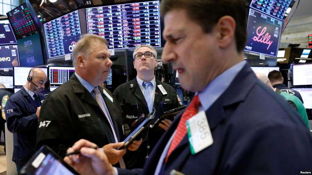 Stocks sink as trade wars loom