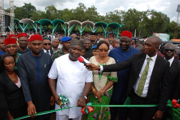 Governor Ugwuanyi commissioning a project