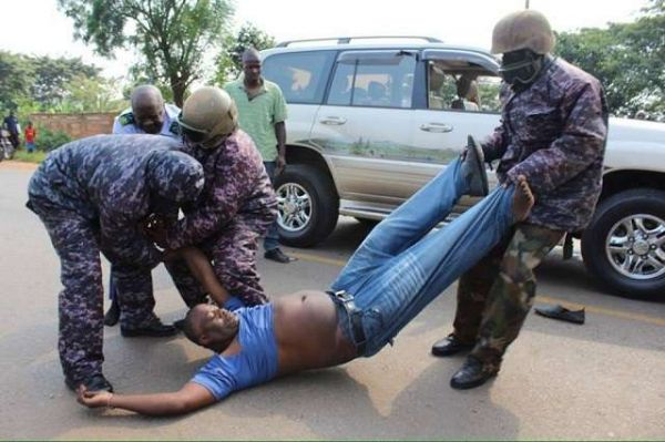 •Security operatives brutalising a vehicle owner