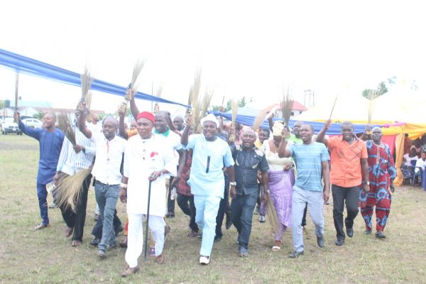 •The jubilant APC decampees singing and dancing at the event.