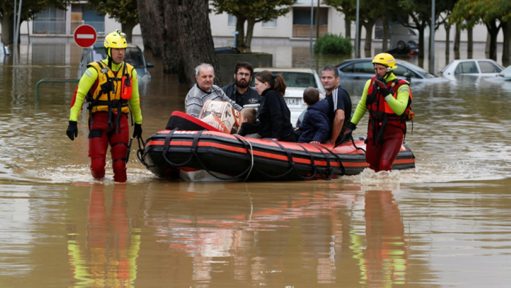 • Some 600 firefighters were sent in to help evacuate residents