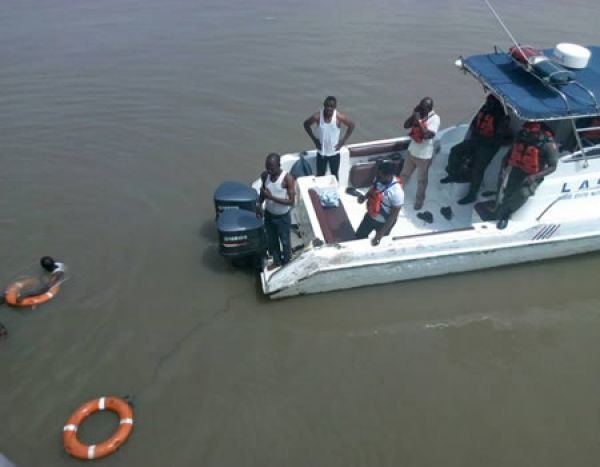 •Rescue workers on Lagos Lagoon