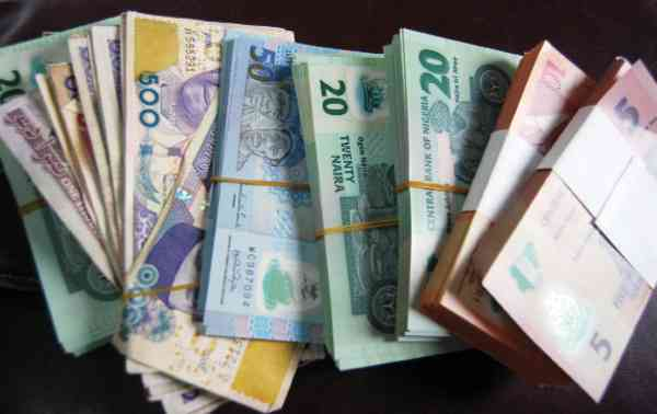 Nigerian assets fall as election delay fuels uncertainty